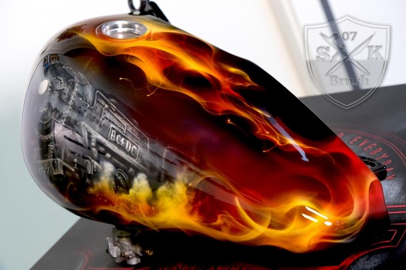 ACDC-Airbrush-Harley-Davidson-Tank1