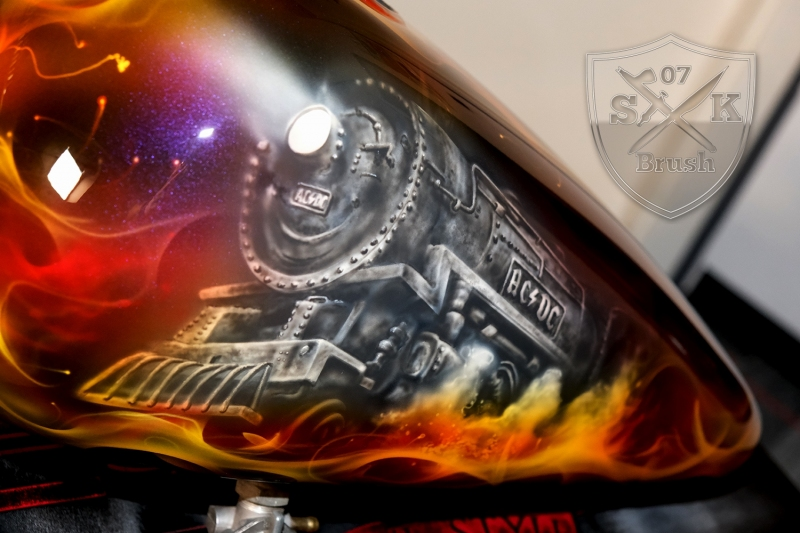 ACDC-Airbrush-Harley-Davidson-Tank2
