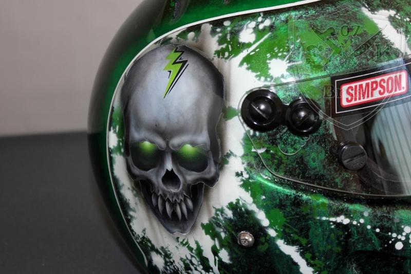 Broken-Head-Simpson-airbrush-helm1