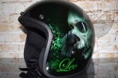Airbrush-Helm-Leo-GRUeN