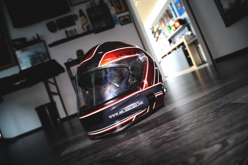 Airbrush-Racing-helmet-custom-helm-rennhelm-VS1