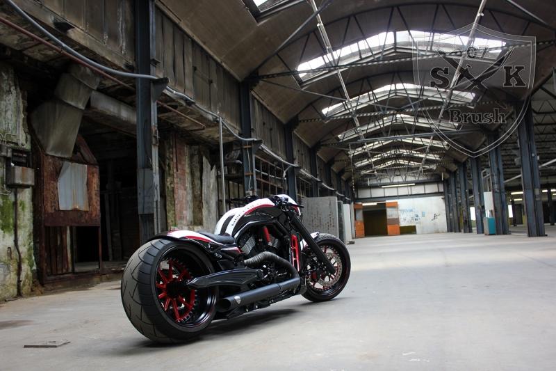 Barracuda-Harley-Davidson-Custompaint1