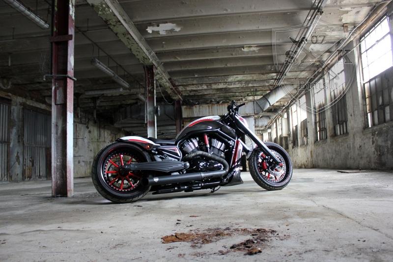 Barracuda-Harley-Davidson-Custompaint11