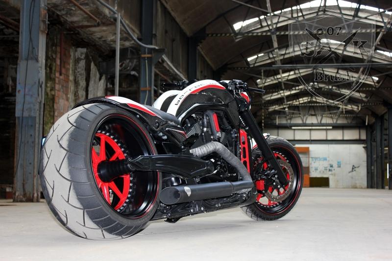 Barracuda-Harley-Davidson-Custompaint2