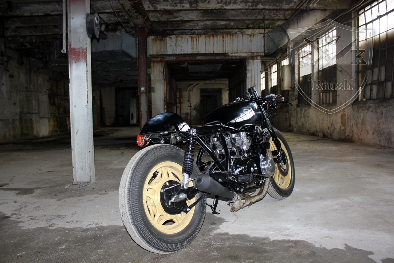 Cafe-Racer-Custompaint-el-padrino14