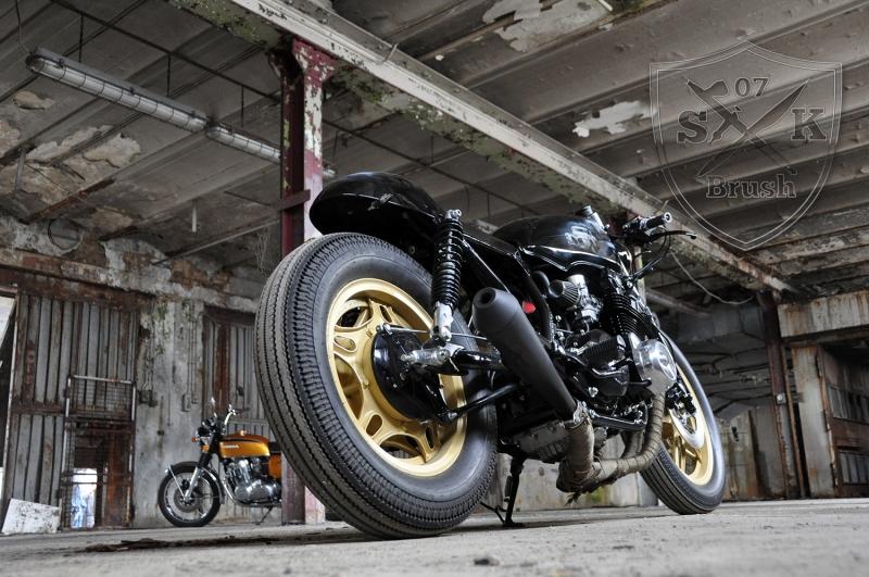 Cafe-Racer-Custompaint-el-padrino17