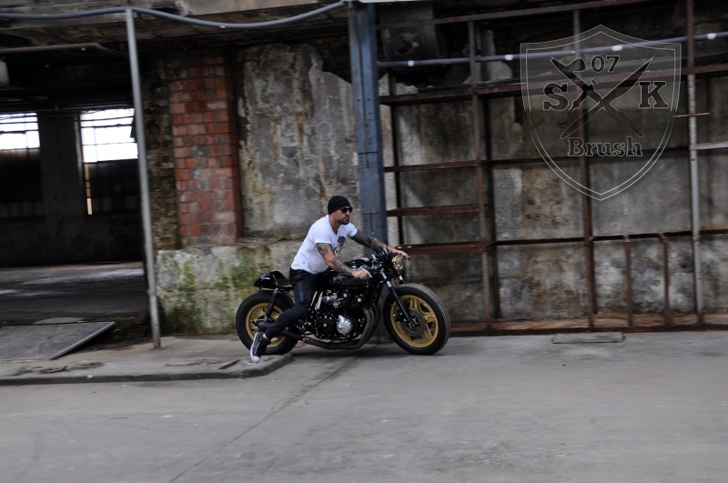 Cafe-Racer-Custompaint-el-padrino24