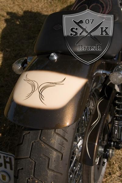 bmw-pyritbraun-lack-harley-davidson-creme-pinstriping-airbrush-custompaint-3