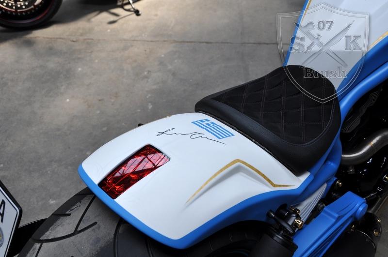 Harley-Davidson-V-Rod-Custompaint-Iceman2