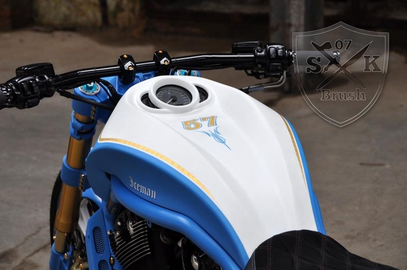 Harley-Davidson-V-Rod-Custompaint-Iceman4