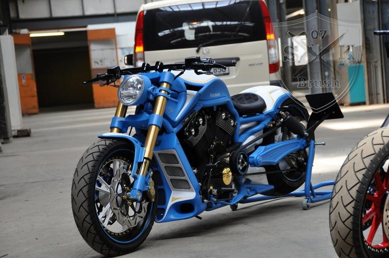 Harley-Davidson-V-Rod-Custompaint-Iceman9