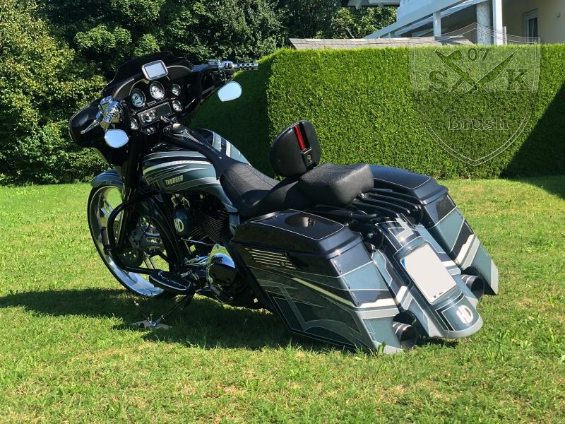 Harley-Thunder4