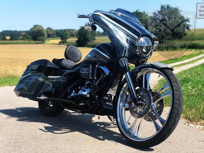 Harley-Thunder5
