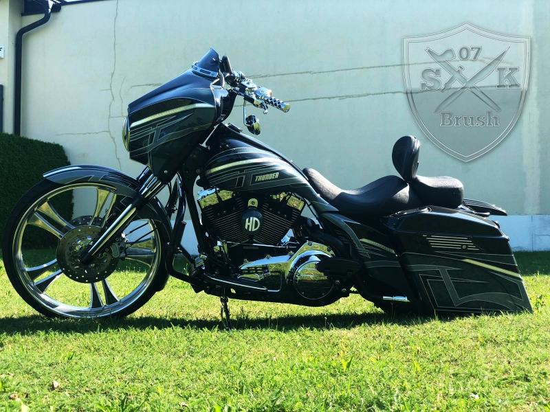 Harley-Thunder6