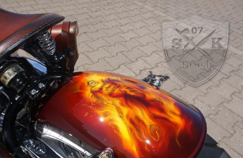 Honda-Shadow-Airbrush-Dragon-Fire-fertig-5