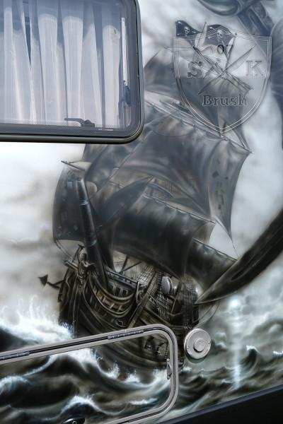 Hymer-4x4-Wohnmobil-Airbrush-Pirates-of-Caribbean_3