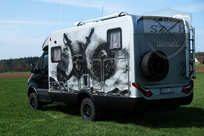 Hymer-4x4-Wohnmobil-Airbrush-Pirates-of-Caribbean_9