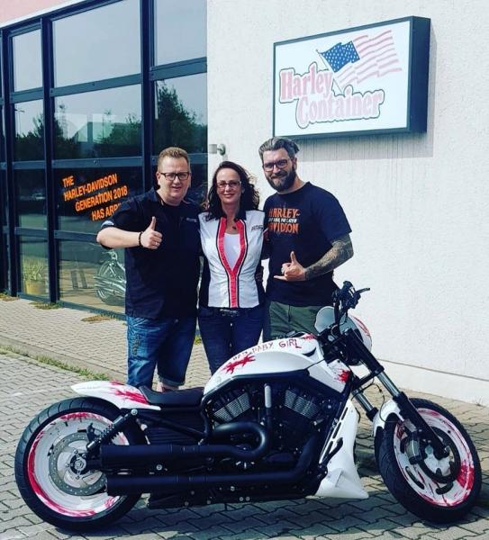Ingo-Kantorek-und-Susanne-Harley-Davidson-Bike-1