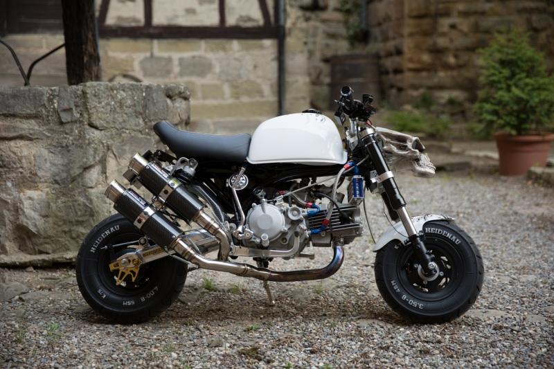 honda-monkey-bike-skull-santa-muerte-schaedel-totenkopf-2