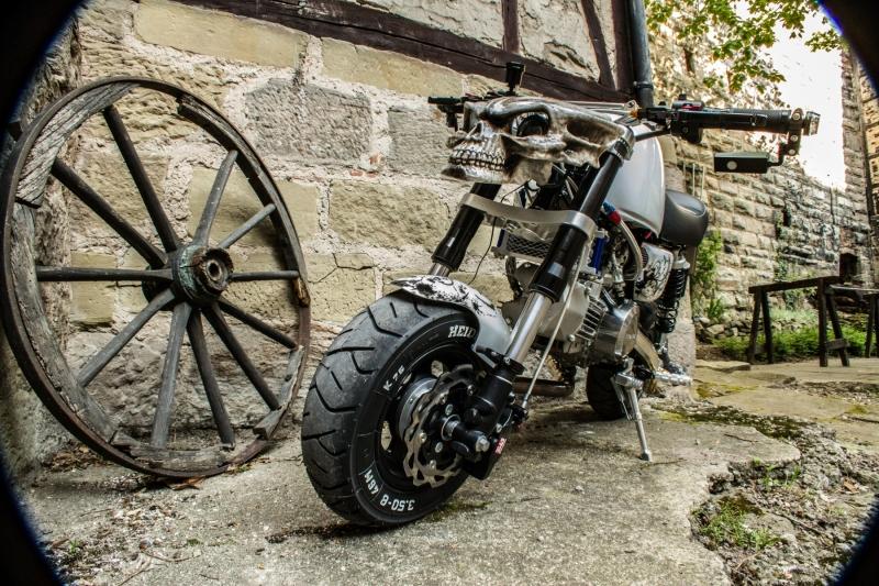 honda-monkey-bike-skull-santa-muerte-schaedel-totenkopf-31