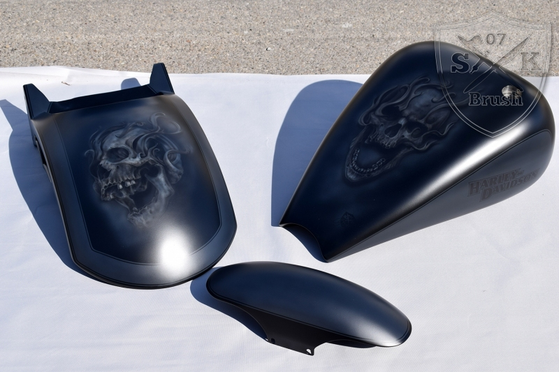 Outlaw-Cycles-Harley-Davidson-Custompaint