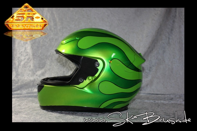 Airbrush-Helm-hot-rod-flames-green1