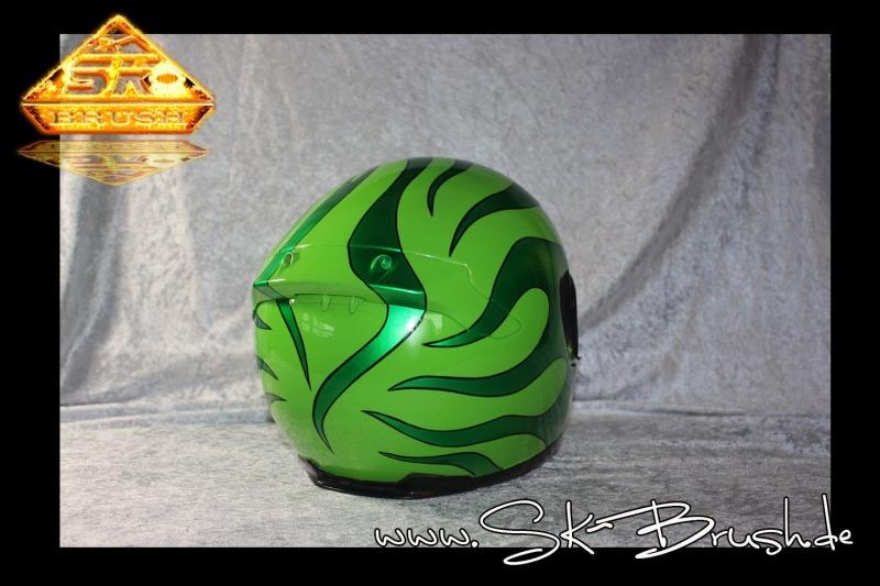 Airbrush-Helm-hot-rod-flames-green2
