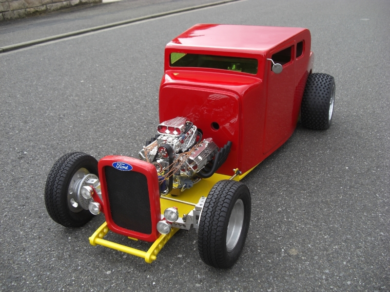 Hot-Rod-Modell-Ford-Pinstriping-Gold-6