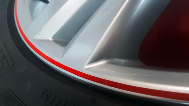 R-Line-VW-Felgen-Liniert-Linierung-Pinstriping-handliniert-stripes-streifen-rot-logo-rline-3