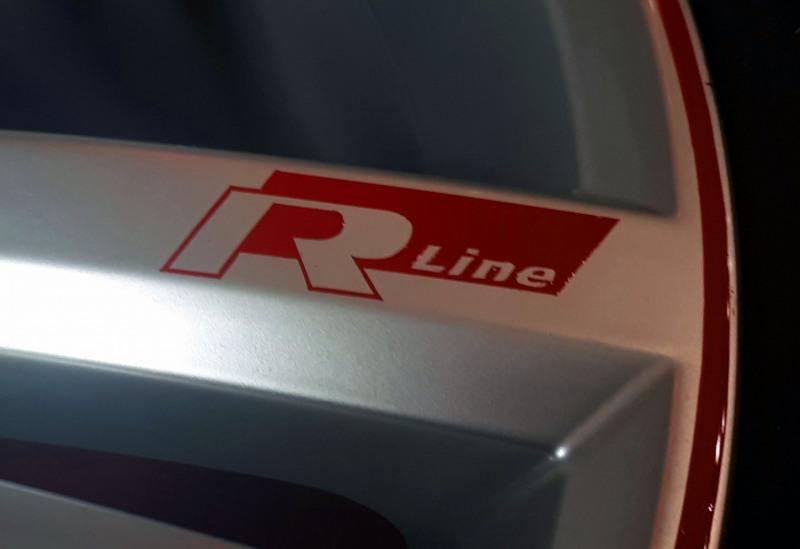 R-Line-VW-Felgen-Liniert-Linierung-Pinstriping-handliniert-stripes-streifen-rot-logo-rline-4