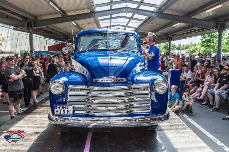 chevrolet-chevy-1950-restauration-oldtimer-oldschool-pinstriping-linierung-pickup-showwinner-3