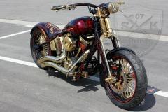 schwarze-ritter-harley-davidson-custombike-gold-candy-pinstriping-linierung-6