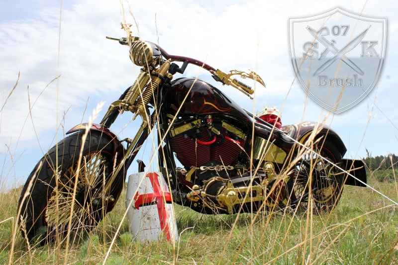 Harley-Davidson-Airbrush-Custompaint-Schwarze-Ritter1