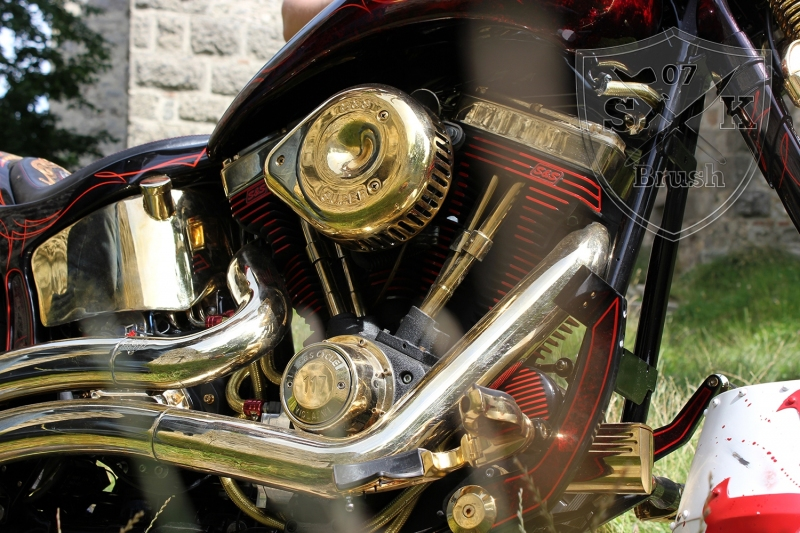 Harley-Davidson-Airbrush-Custompaint-Schwarze-Ritter14
