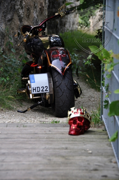 Harley-Davidson-Airbrush-Custompaint-Schwarze-Ritter23