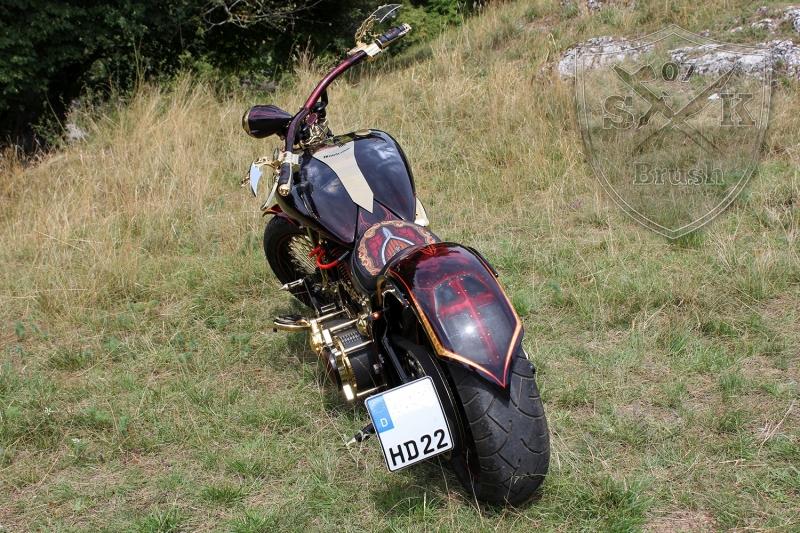 Harley-Davidson-Airbrush-Custompaint-Schwarze-Ritter4