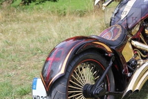 Schwarze Ritter Harley Davidson