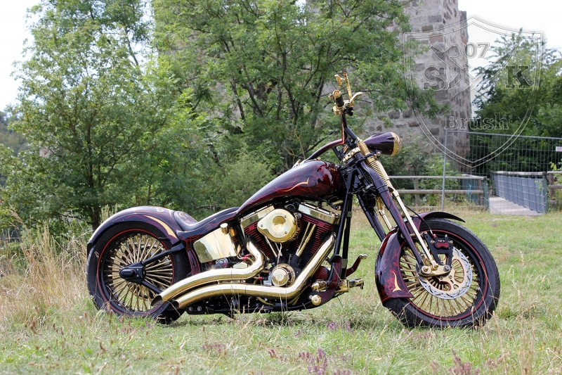 Harley-Davidson-Airbrush-Custompaint-Schwarze-Ritter6