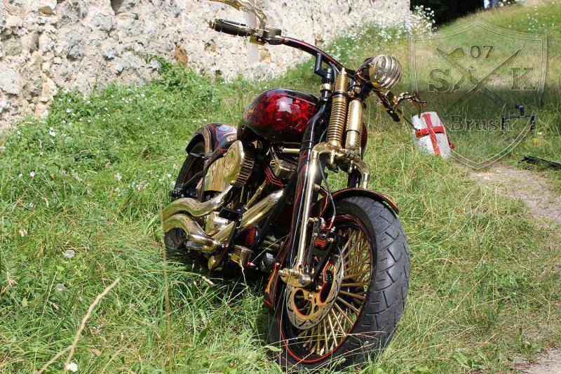 Harley-Davidson-Airbrush-Custompaint-Schwarze-Ritter8