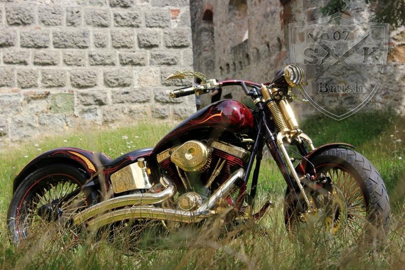 Harley-Davidson-Airbrush-Custompaint-Schwarze-Ritter9