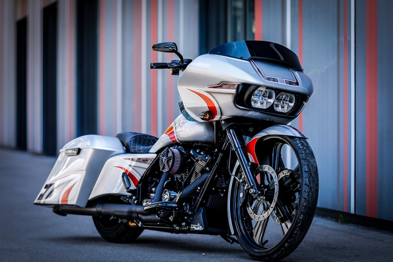 Streetglide-Harley-Davidson-Airbrush-Lackierung-Silber-Candy-Pinstripes-Orange-www.jacklinfotos.com-10