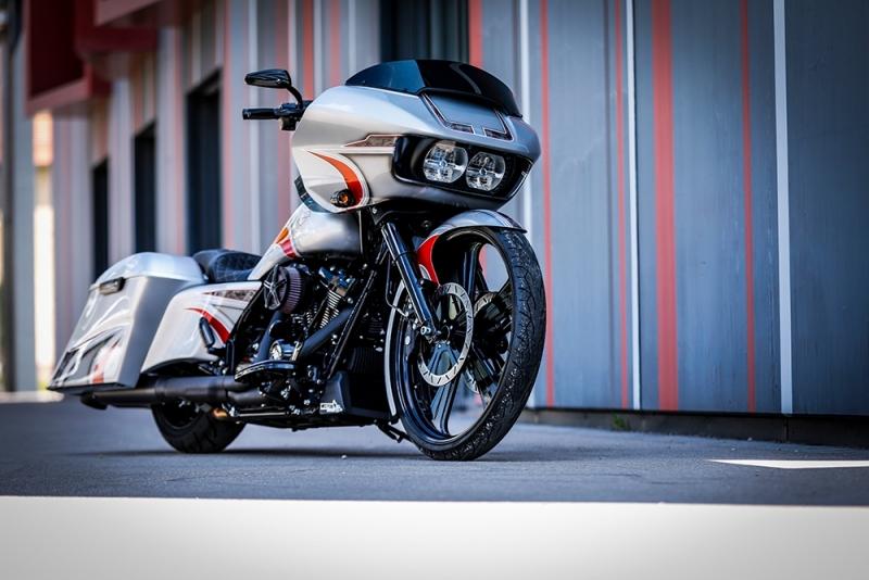 Streetglide-Harley-Davidson-Airbrush-Lackierung-Silber-Candy-Pinstripes-Orange-www.jacklinfotos.com-11