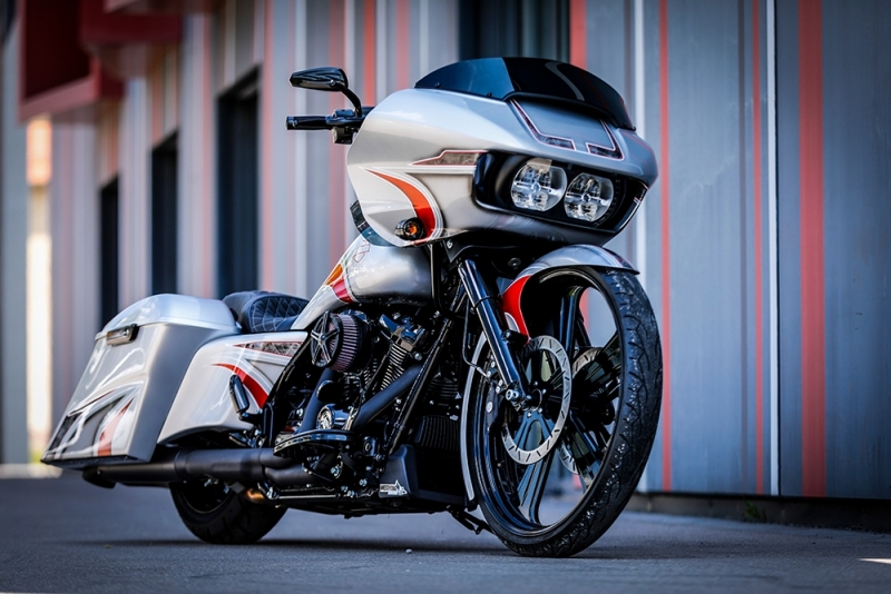 Streetglide-Harley-Davidson-Airbrush-Lackierung-Silber-Candy-Pinstripes-Orange-www.jacklinfotos.com-12