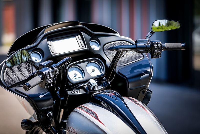 Streetglide-Harley-Davidson-Airbrush-Lackierung-Silber-Candy-Pinstripes-Orange-www.jacklinfotos.com-5