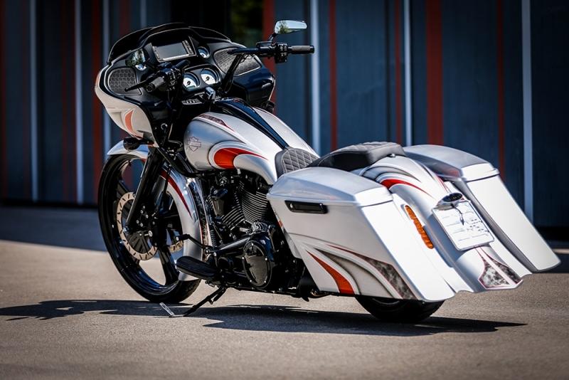 Streetglide-Harley-Davidson-Airbrush-Lackierung-Silber-Candy-Pinstripes-Orange-www.jacklinfotos.com-8