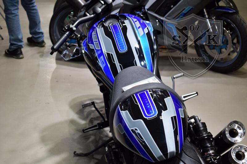 Crackerjack-Airbrush-Custom-Harley-Davidson-V-Rod1