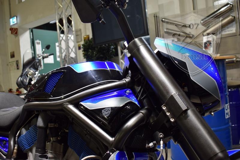 Crackerjack-Airbrush-Custom-Harley-Davidson-V-Rod2